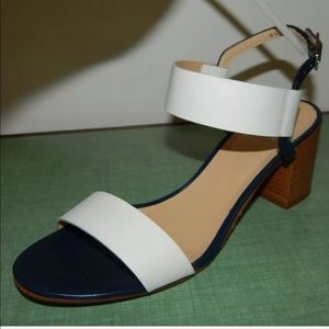 Amalfi by Rangoni blue white sandals size 9.5M